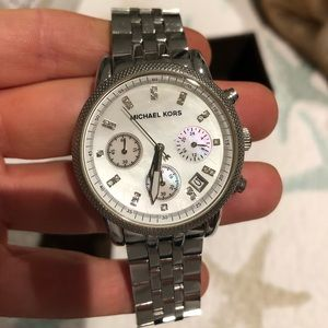 Michael Kors oyster/ pearl watch